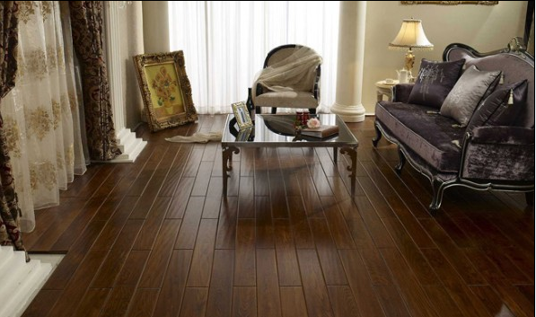 優等品實木地板,呈現出的天然原木紋理和色彩圖案,給人以自然、柔和、富有親和力的質感,同時有東暖夏涼、觸感好的特性。