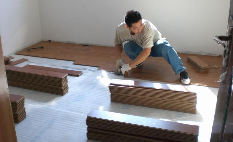 5点教你如何防止木地板面层起拱、变形