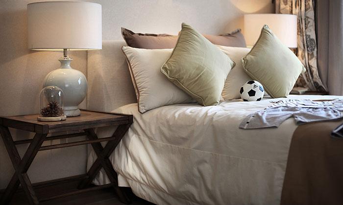 东南亚风格豪宅卧室装修设计效果图