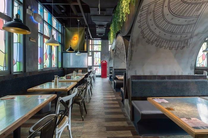复古餐厅就餐区域装修设计案例效果图