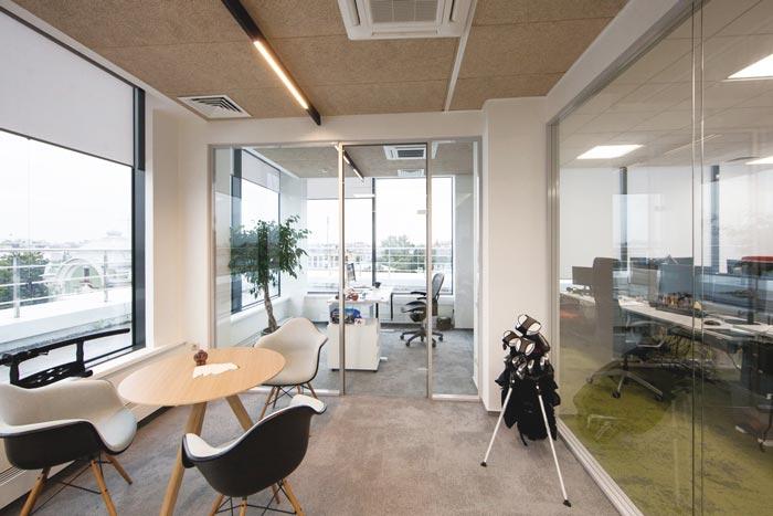 网络游戏开辟商总司理办公室快三设计案例