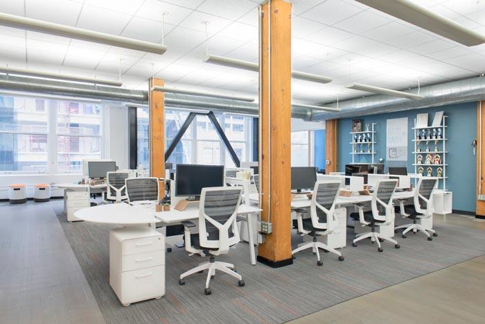 广告公司办公室办公区域装修设计案例效果图