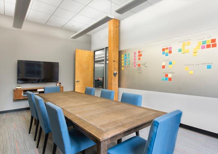 广告公司办公室会议室装修设计案例效果图