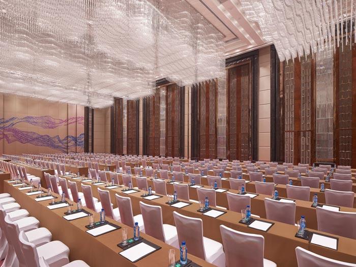 连锁商务酒店大型会议室装修设计案例效果图