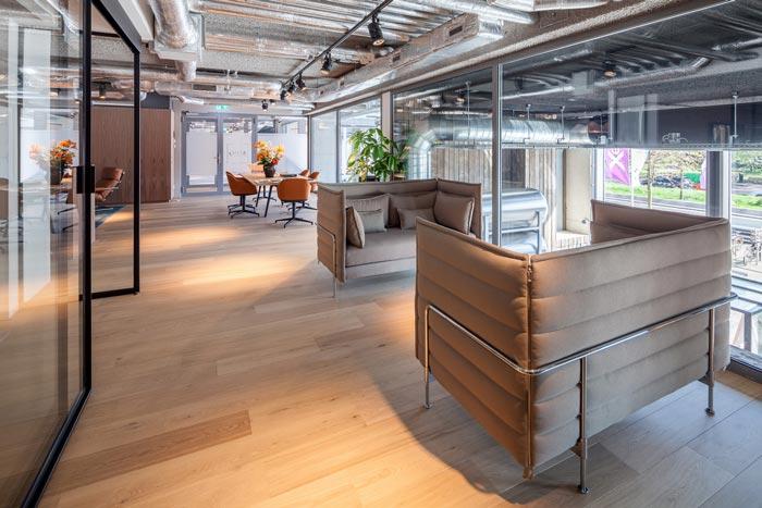 房地產開發商辦公室交流區域裝修設計案例效果圖