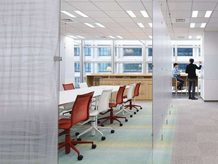 医药中心办公室会议室装修设计案例效果图