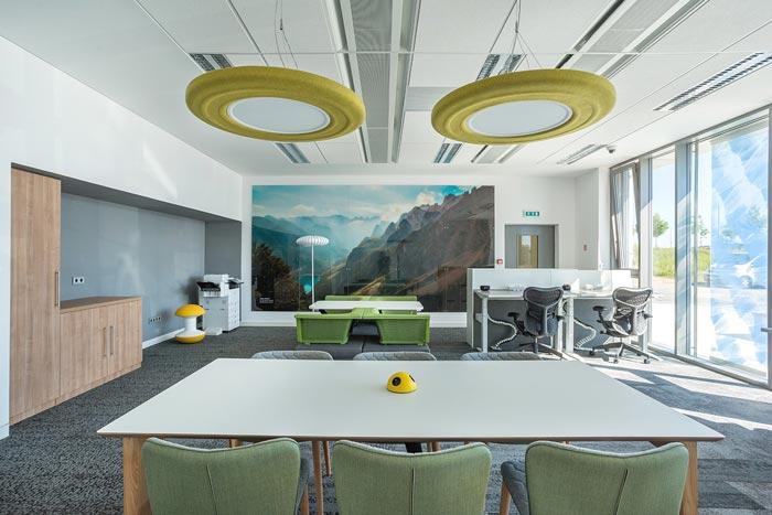 软件开发公司办公室办公区域装修设计案例效果图