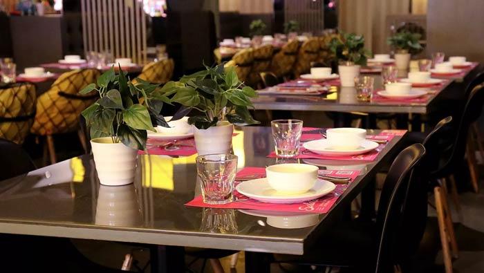东南亚主题餐厅餐桌装修设计效果图