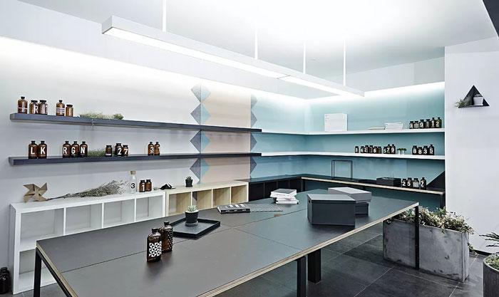长方形办公室装修效果图