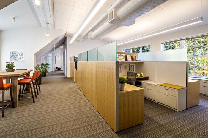 设计实景图讲解到此结束,办公空间一楼的是聚会和合作空间,二楼和三
