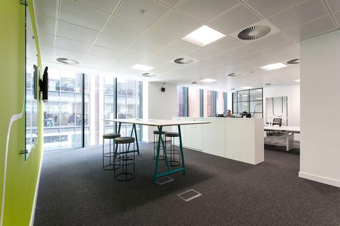 裝修設計效果圖,辦公室設計面積600平方,設計師在辦公室設計中,以極簡