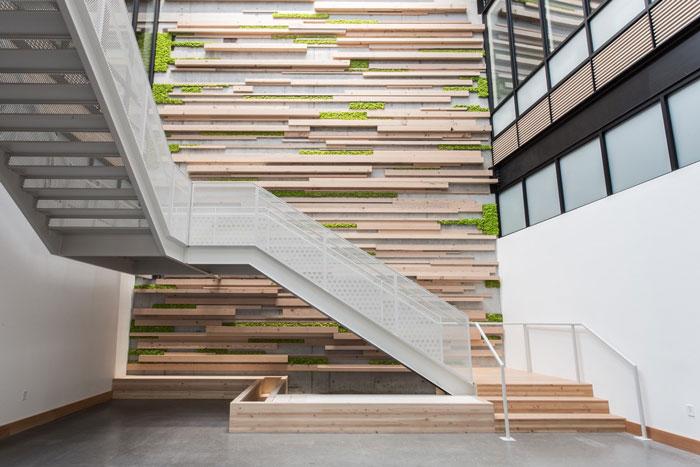 简约时尚办公室楼梯装修设计效果图