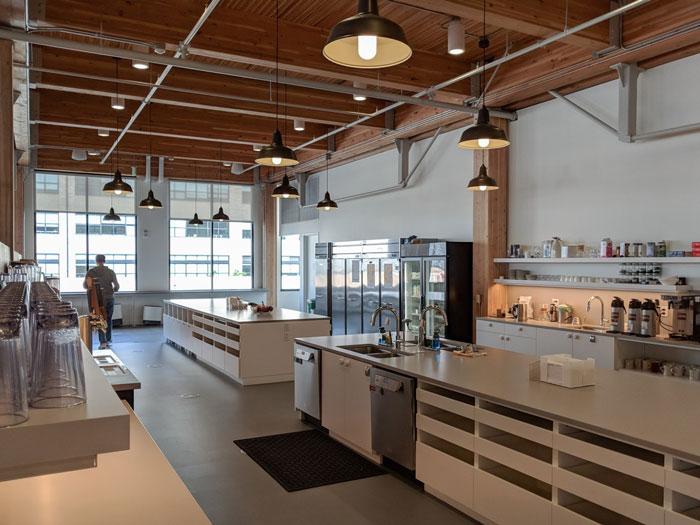 简约时尚办公室茶水间装修设计效果图