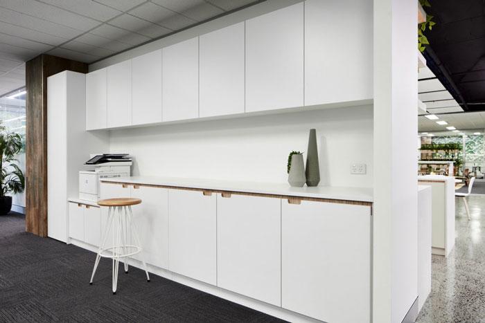 管理公司办公室茶水间装修设计效果图