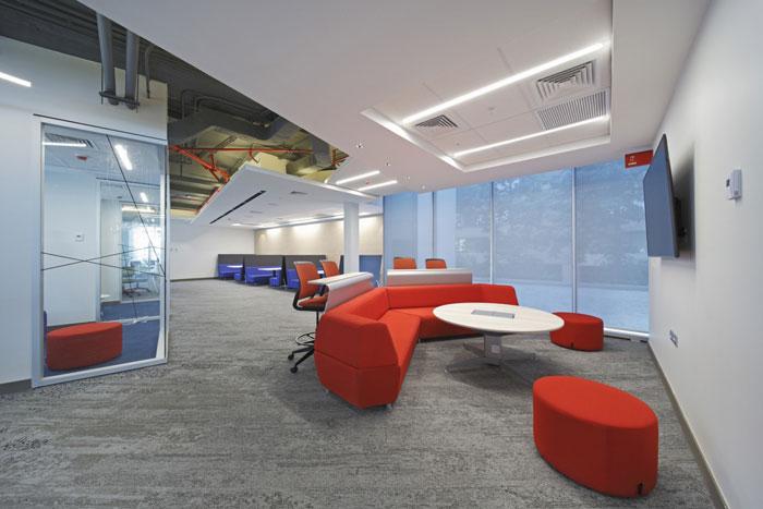 办公楼装修设计效果图,办公楼设计面积8000平方,设计师在办公室设计中