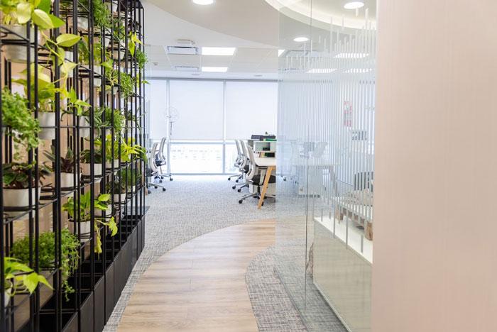 美容公司办公室过道装修设计效果图