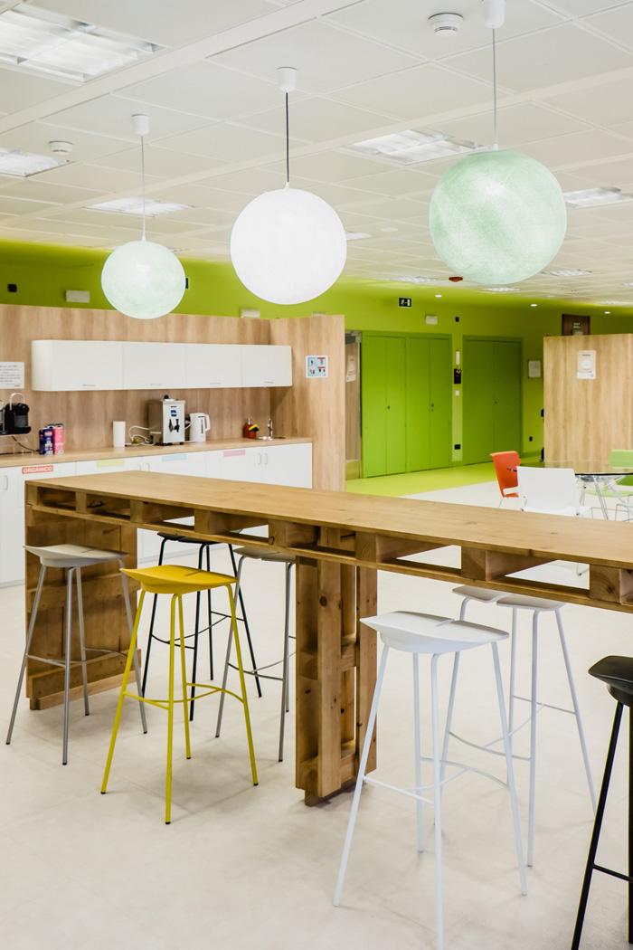 食品公司办公室茶水间吧台装修设计效果图