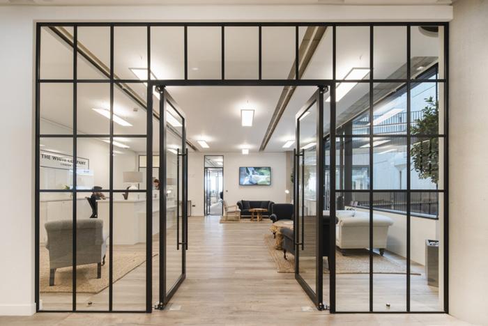 700平方女装公司办公室进门区装修效果图