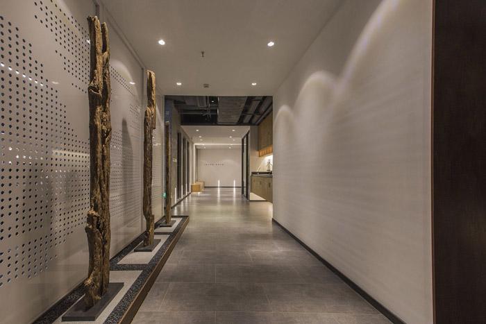 东方禅意办公室走廊装修设计效果图