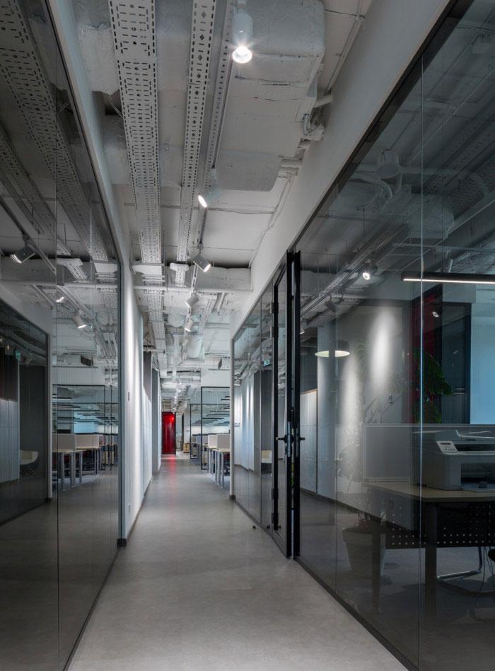 纳维亚风格办公室过道装修设计效果图
