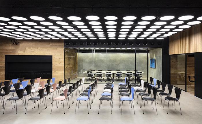 新总部办公室培训区装修设计效果图