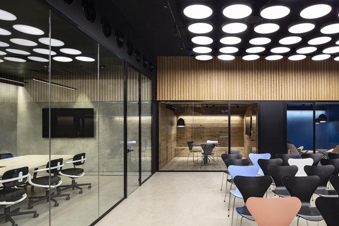 新总部办公室会议区装修设计效果图