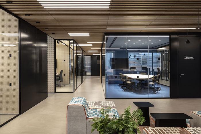 新总部办公室洽谈区装修设计效果图