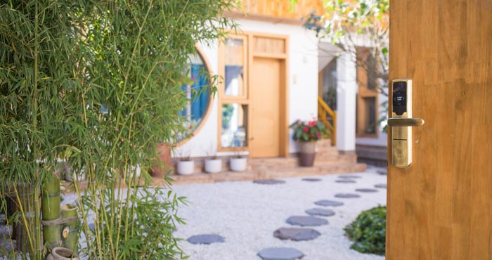 庭院民宿入门装修设计效果图