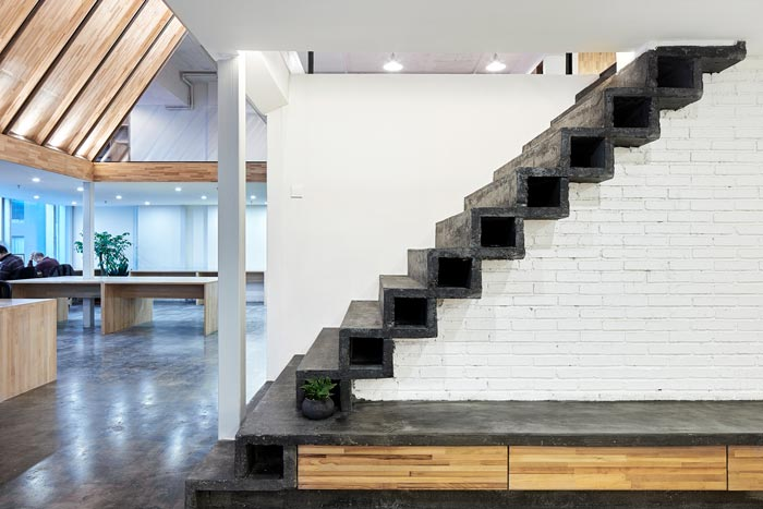 5.4米层高办公室楼梯装修设计效果图
