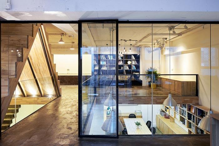5.4米层高办公室二楼过道装修设计效果图