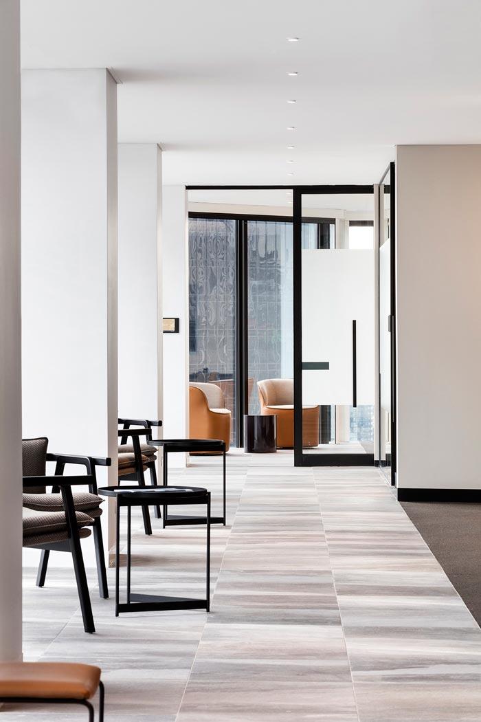 1800平方办公室交流装修设计效果图